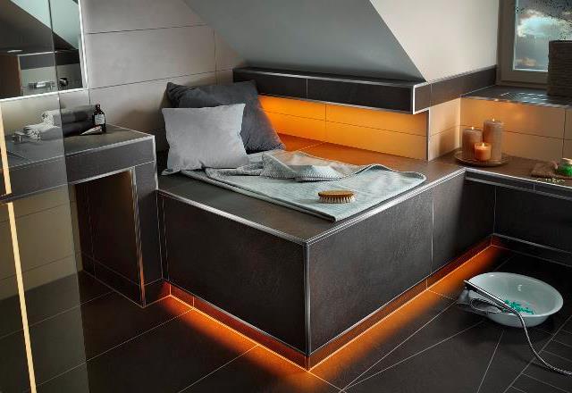 Legplank in de keuken met LED-verlichting
